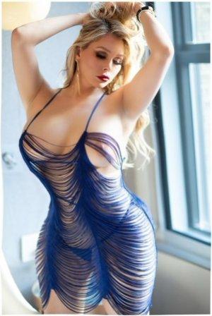 Ana-clara escort in Kaneohe and thai massage
