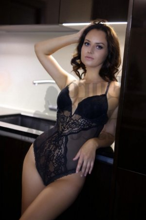 Devora escort girl in Fremont