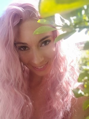 Ludovina erotic massage & call girl
