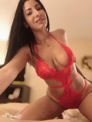 Eimy escorts in Spring Valley CA and nuru massage