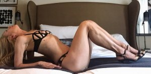Laurinne nuru massage and live escort